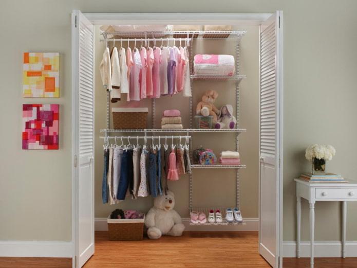 conception de garde-manger pour vêtements de bébé