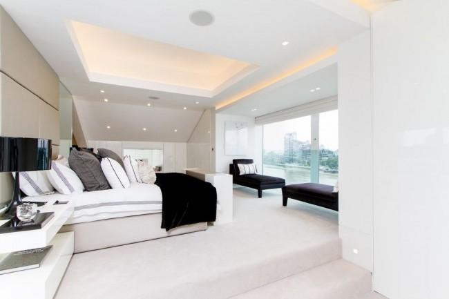 Plafond en placoplâtre blanc spectaculaire avec spots