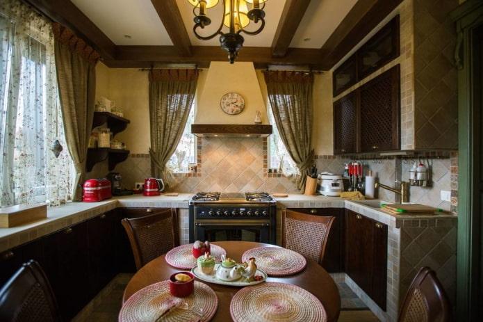 petite cuisine dans un style campagnard rustique