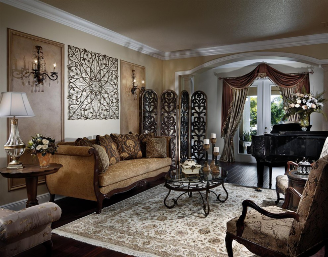Des canapés luxueux avec une tapisserie d'ameublement en tissu s'intégreront dans les intérieurs orientaux