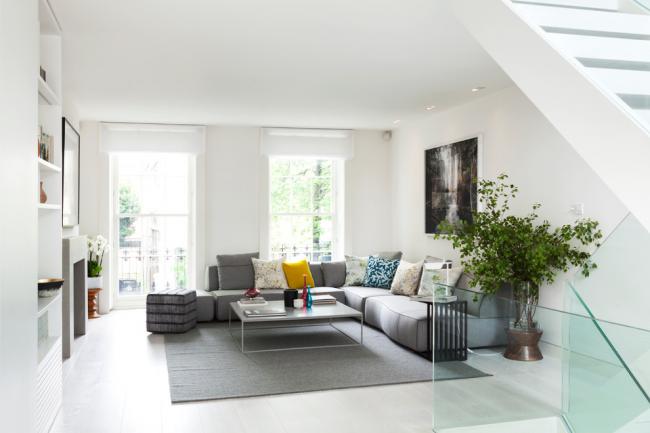 canapés à la mode: photo 2017 - les canapés d'angle aideront à recevoir un grand nombre d'invités et à passer des soirées en famille dans un environnement confortable