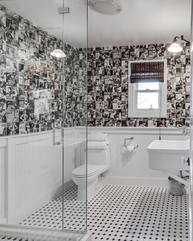 Intérieur noir et blanc élégant d'une salle d'hygiène