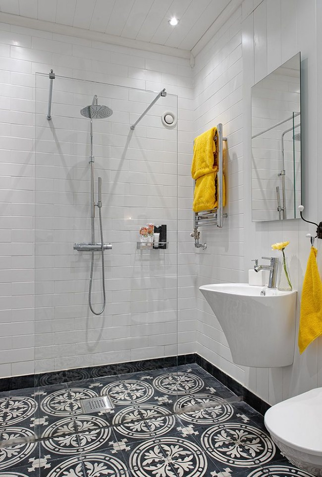 Avec un zonage compétent, une salle de bain combinée peut sembler très attrayante.