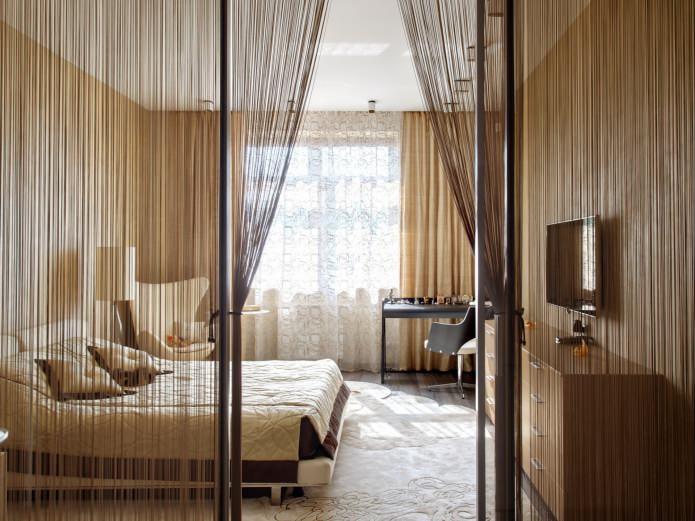 fils de rideaux dans la chambre
