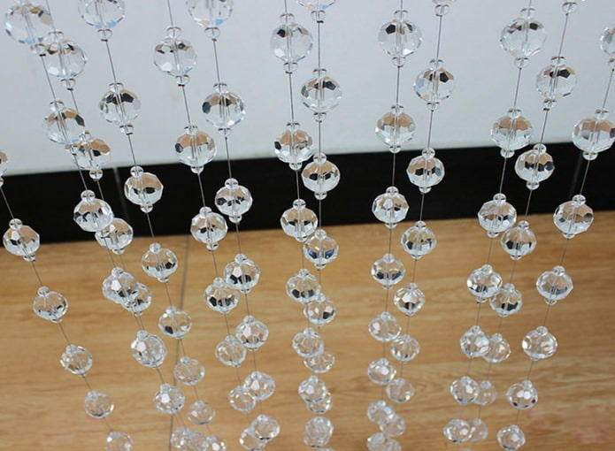rideaux de filaments avec des perles transparentes