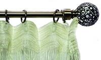 Accroché à la bande de rideau pour les crochets