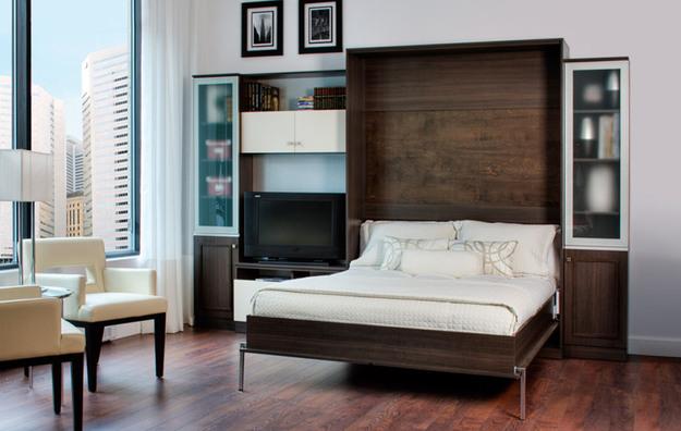 Le lit transformable est idéal pour les appartements d'une pièce