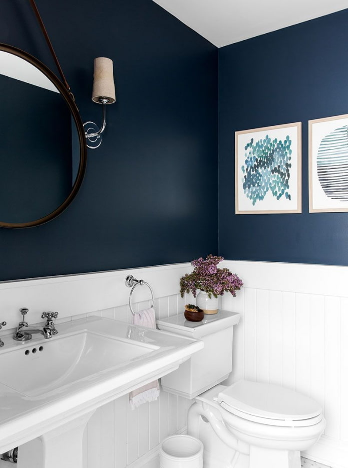Salle de bain peinte en bleu