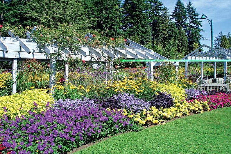 Mixborder - Parterre de fleurs à la campagne, idées d'aménagement paysager