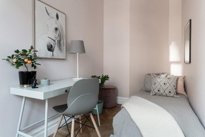 murs rose pastel dans la pépinière