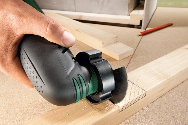 La machine électrique Proxxon MSG sera un compagnon efficace pour le sciage, la coupe, le meulage et le fraisage