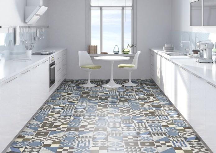 le sol de la cuisine dans le style patchwork à l'intérieur