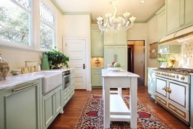 Le style campagnard ne se caractérise que par des meubles en bois aux couleurs pastel ou naturelles.