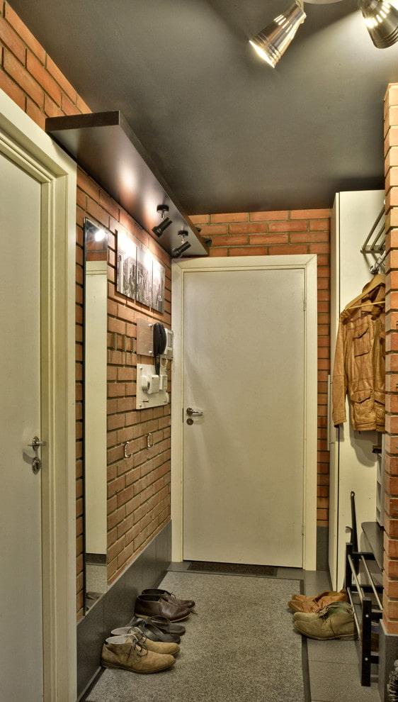 couloir de style loft à Khrouchtchev