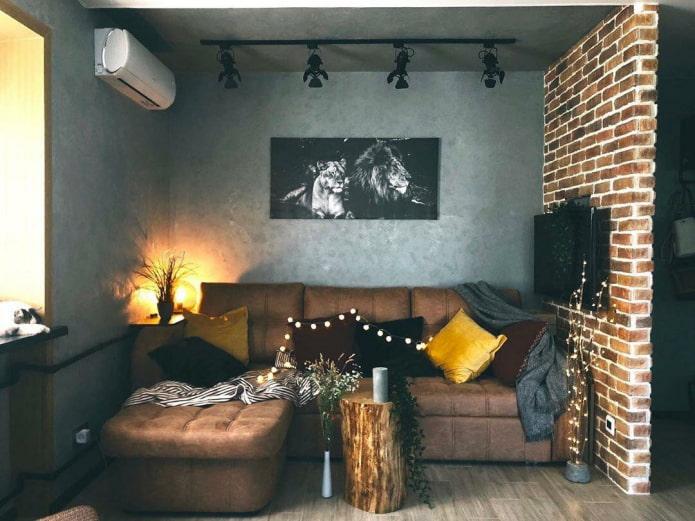 salon dans un loft de style Khrouchtchev