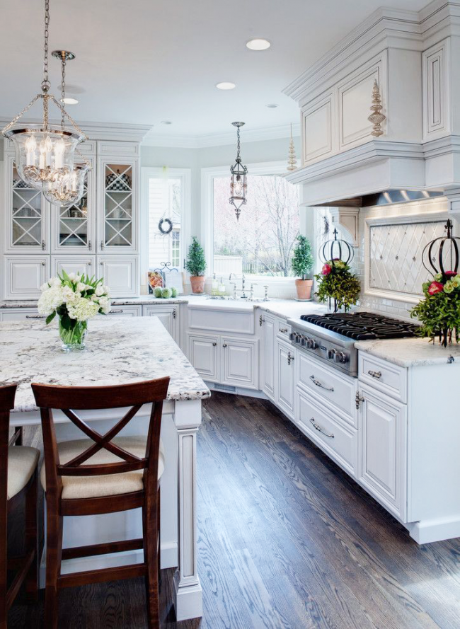 Solution confortable et fonctionnelle pour l'agencement des meubles de cuisine
