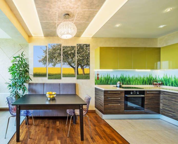 peinture modulaire moderne à l'intérieur de l'appartement