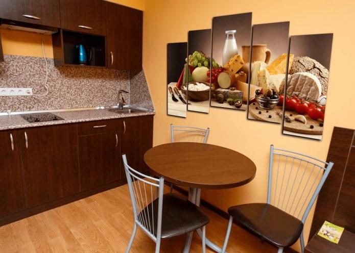 Image modulaire à l'intérieur de la cuisine