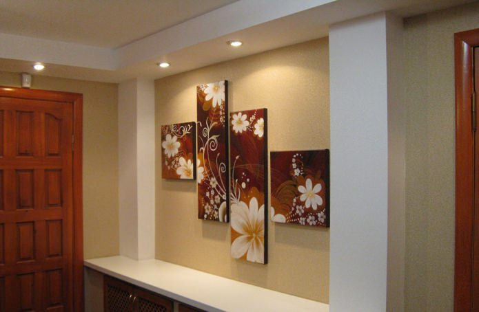 Tableau modulaire à l'intérieur du couloir