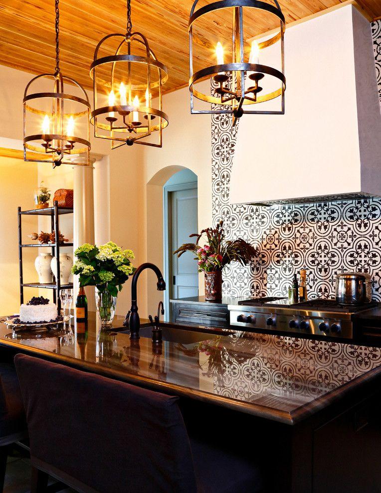 Le papier peint moderne et lavable est superbement conçu pour s'adapter même à la plus petite cuisine