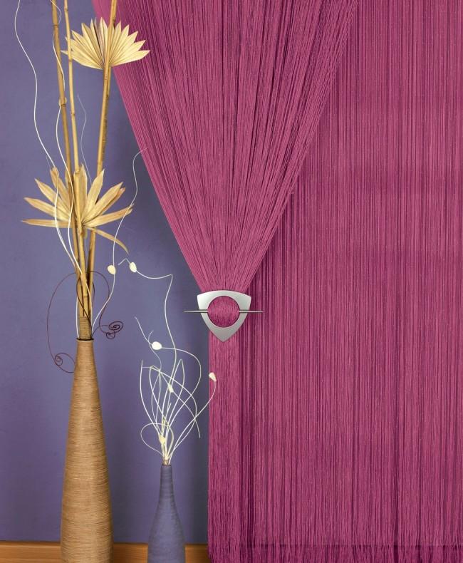 Une épingle à cheveux pour décorer des rideaux de corde ajoutera de la complétude à l'intérieur