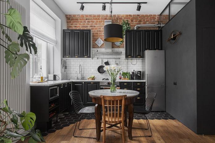 groupe de salle à manger à l'intérieur de la cuisine dans des tons noirs