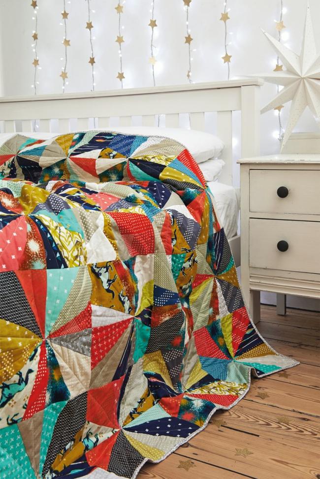 Les éléments intérieurs réalisés en technique patchwork ajouteront du charme et de l'originalité à la pièce