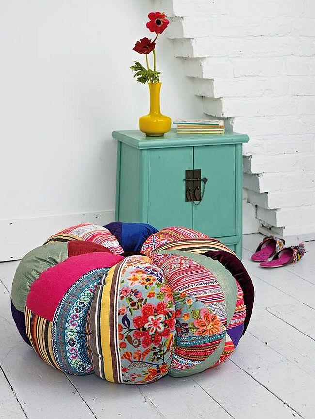 Le patchwork est également associé dans une certaine mesure aux années 70 et à la culture hippie, qui peuvent être utilisés pour accentuer l'intérieur.