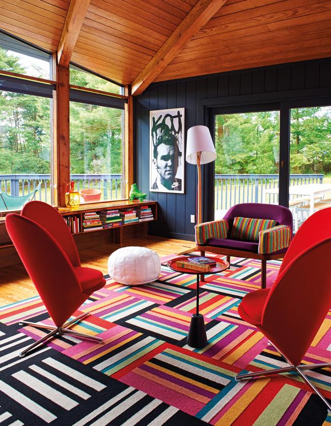 Le tapis s'intégrera organiquement à l'intérieur dans le style du pop art