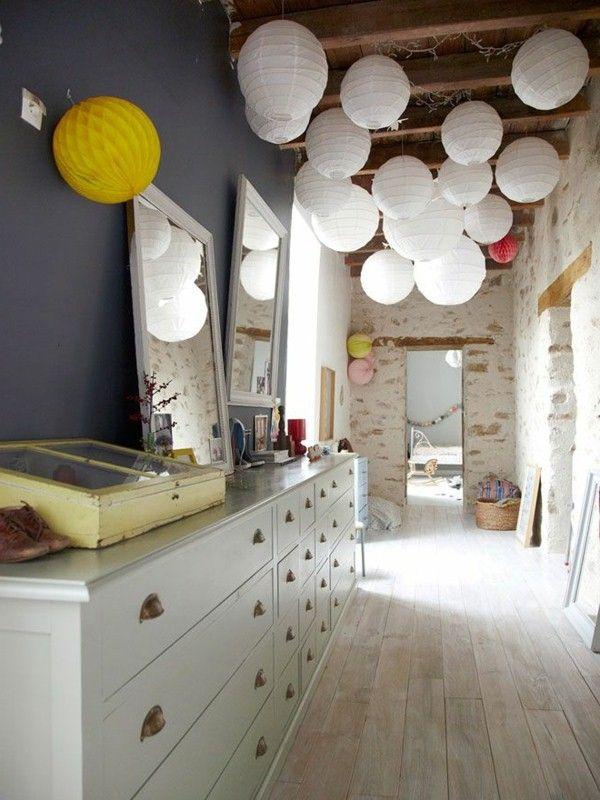 Une solution inhabituelle pour le plafond dans le couloir surprendra vos invités