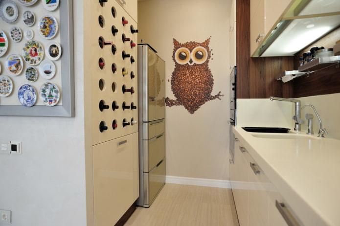 autocollant sur le mur à l'intérieur de la cuisine