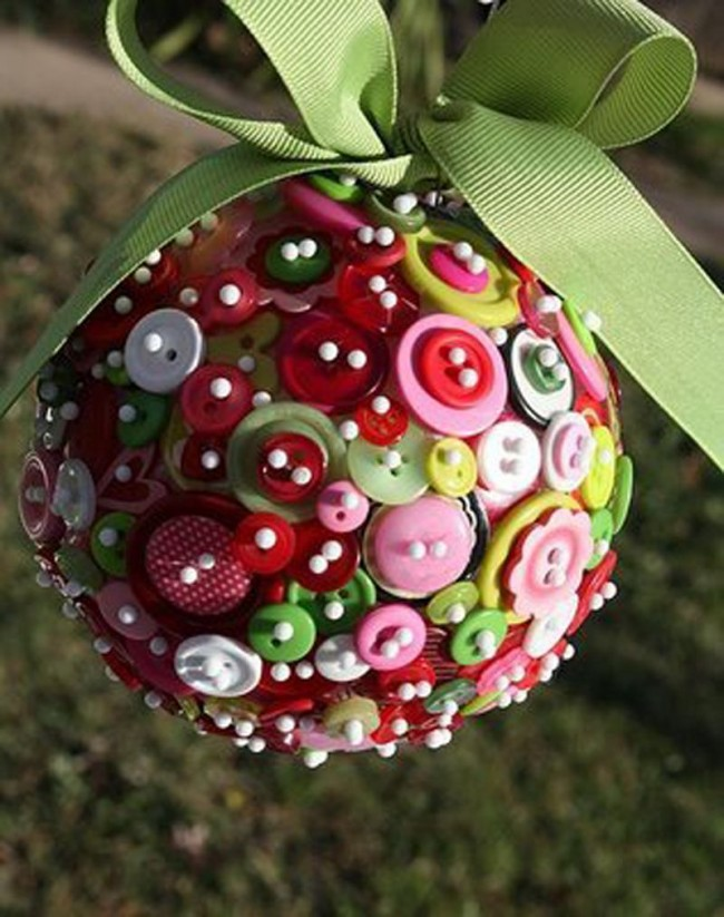 Boule originale faite avec des boutons ordinaires