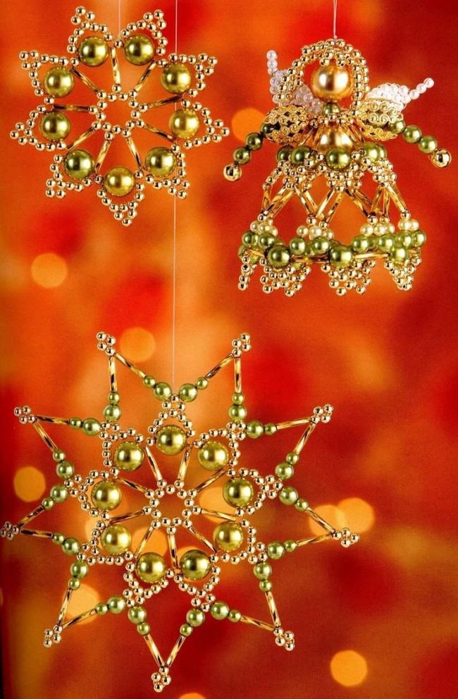 Merveilleux flocons de neige faits de perles