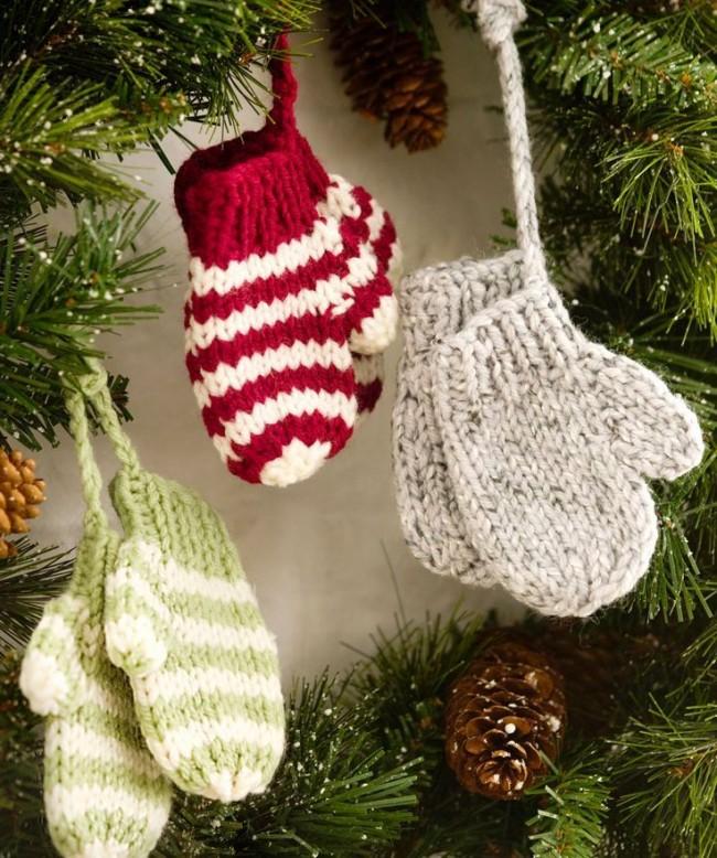 Les mitaines en laine sont des décorations très chaleureuses et intimes