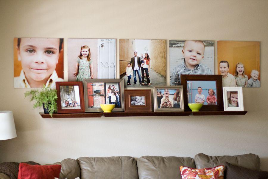 La photo peut être accrochée au mur ou posée sur une étagère