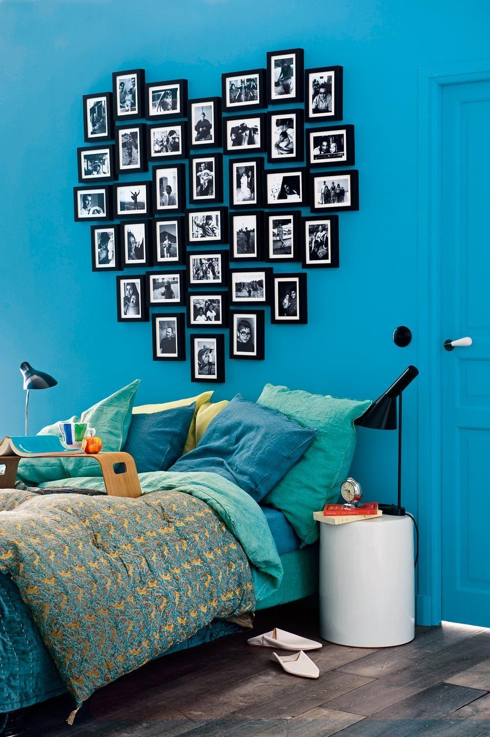 Idée romantique pour une chambre - un cœur disposé à partir de cadres