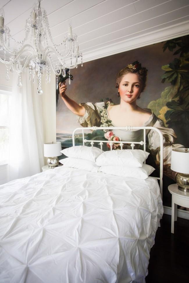 Portrait antique de Jean-Marc Mathieu dans la chambre de fille au style shabby chic