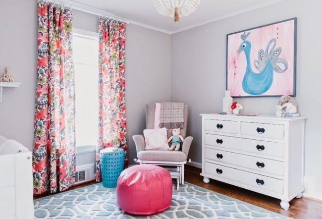 Les combinaisons de couleurs fraîches à l'intérieur seront une excellente option pour une chambre d'enfant.