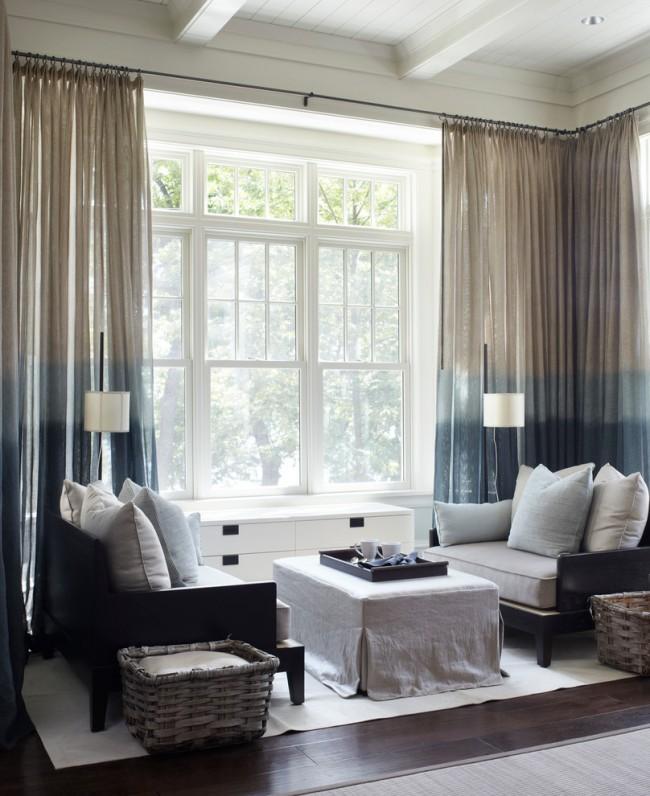 Les grandes fenêtres panoramiques sont très populaires à notre époque, mais les hôtesses de ces locaux sont souvent confrontées au problème de créer un confort dans les chambres, auquel cas les rideaux seront une excellente option.