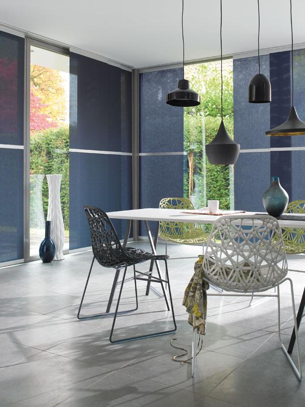 Le bleu foncé est également assez traditionnel pour le Japon, et dans un intérieur européen, il aide à maintenir un style masculin strict.