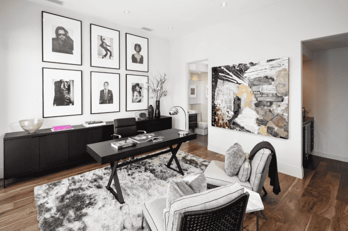 photographies en noir et blanc à l'intérieur