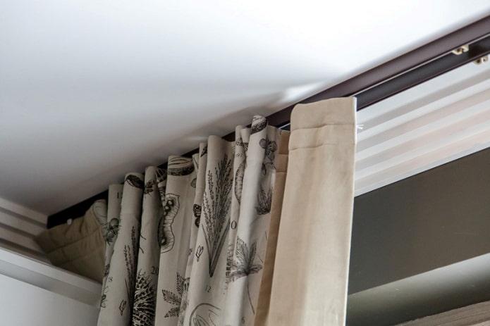 corniche profilée pour rideaux