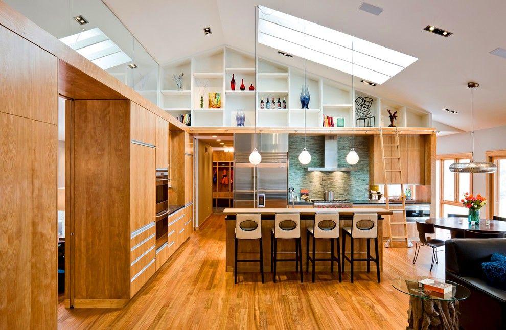 La cuisine intégrée, la solution architecturale inhabituelle et les nuances agréables feront de cet endroit un havre de paix préféré pour passer du temps