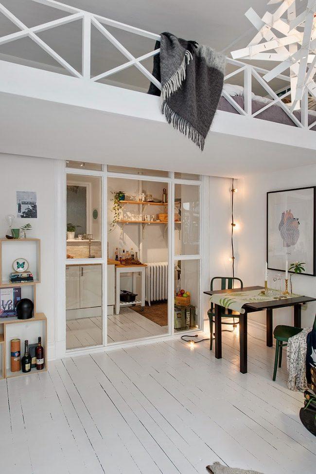 Dans un appartement d'une petite superficie, vous pouvez également faire un deuxième étage