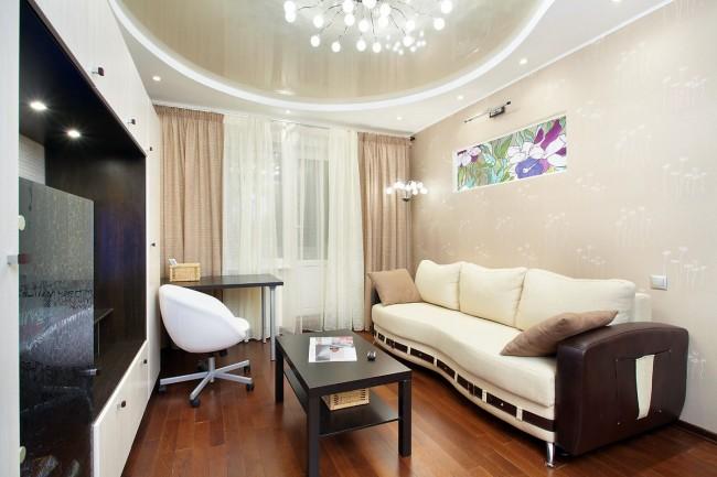 Un plafond à deux niveaux peut avoir absolument n'importe quelle forme et couleur.