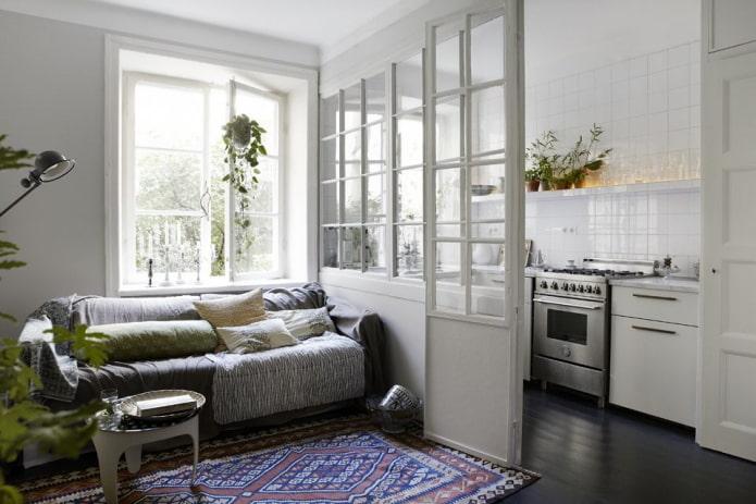 intérieur cuisine-studio avec cloison