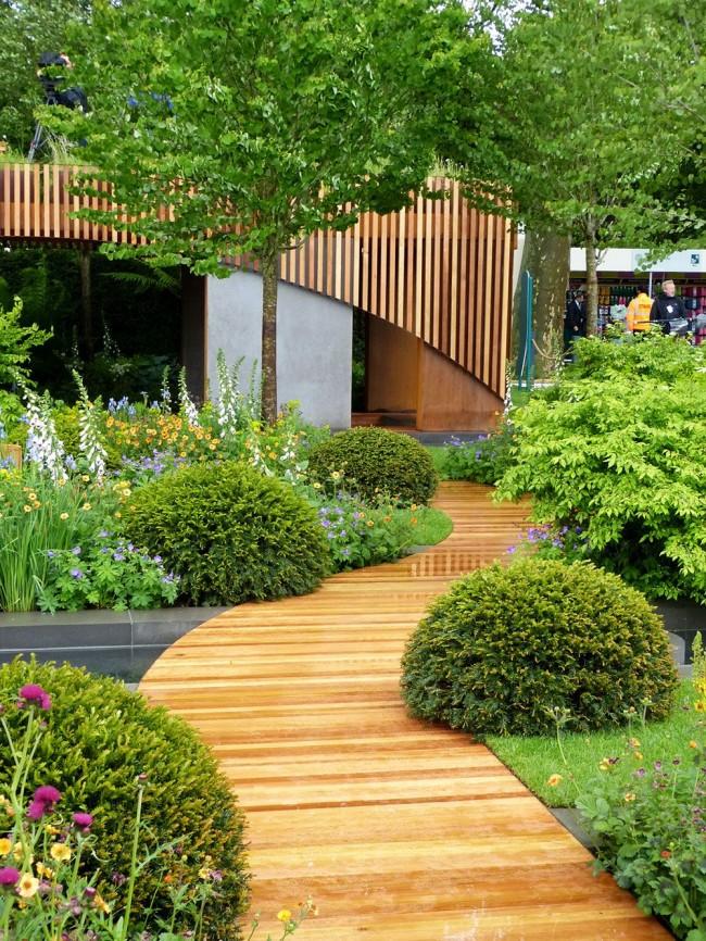 Un vrai coin de paradis, que vous pouvez créer de vos propres mains à partir d'une planche de terrasse