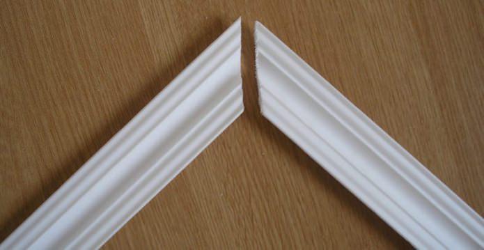 Plinthe de plafond en polystyrène