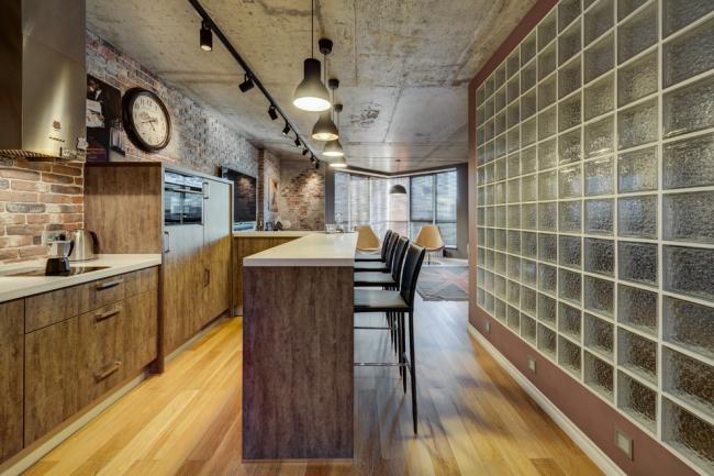 Une cloison en briques de verre s'intégrera parfaitement dans un intérieur de style loft