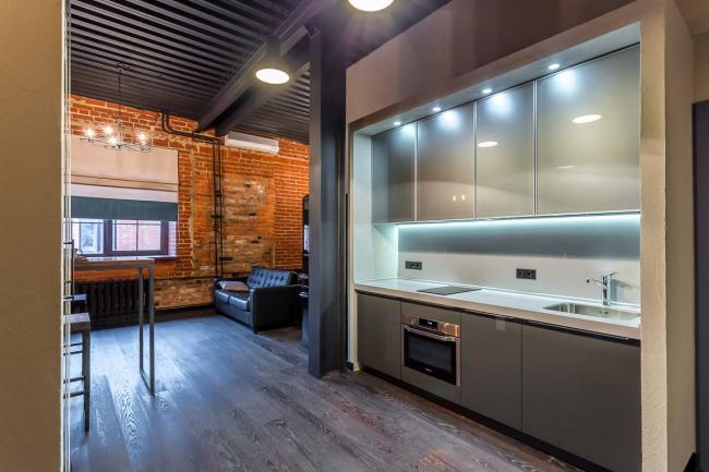 Une combinaison réussie de deux styles différents lors de la décoration de l'intérieur d'un appartement de deux pièces